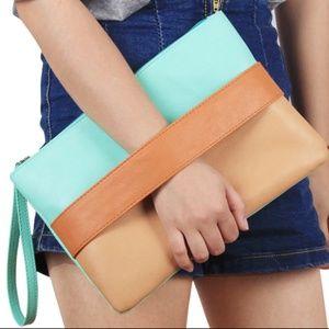 Handbags - Tricolor Women's Clutch (Mint/Brown/Camel)